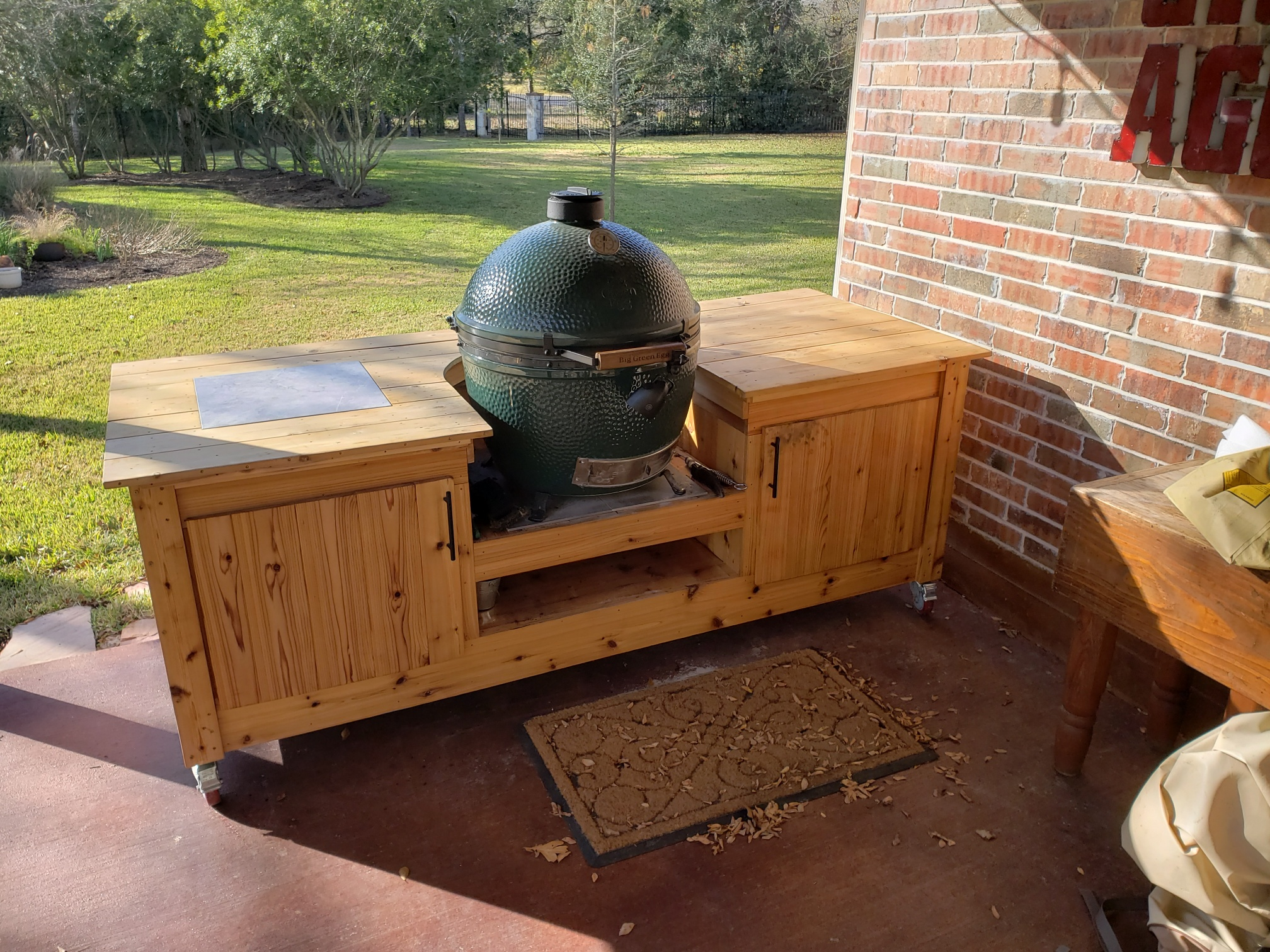 DIY Big Green Egg Table Plans